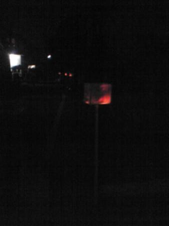 川沿いに灯篭