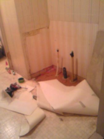 洗面台解体済みお湯・水と排水